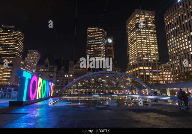 Black Of Downtown Toronto Bay Escort Dundas City Street