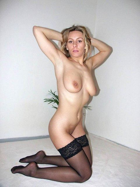 Fun Sexy Mature Lady For Excitement And More