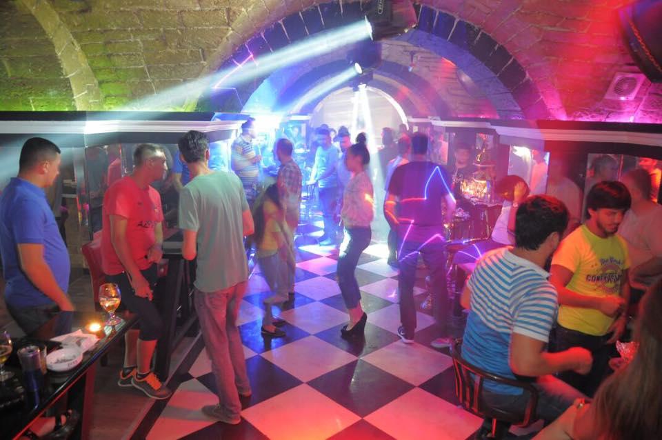 Galle Club Azerbaijan In Night Girls In Baku