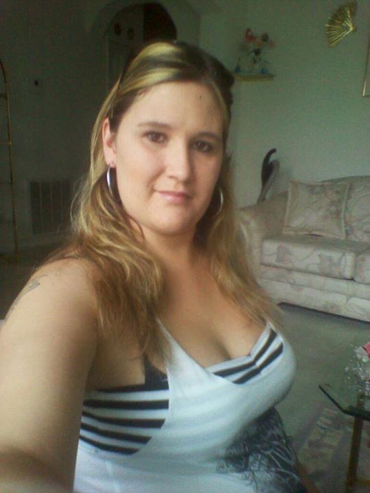 Singles Woman 25 Man To Seeking 35 Photos