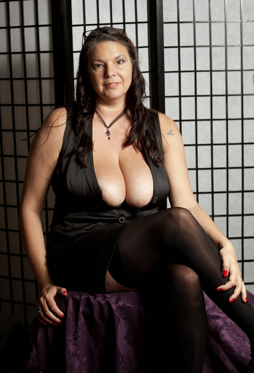 Oshawa Escort Housewife Whitby