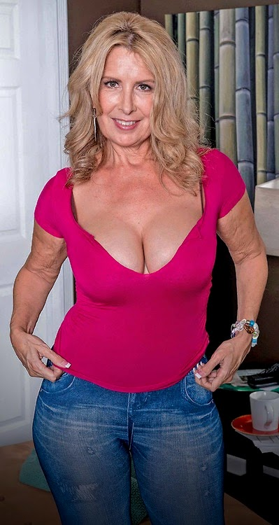 65 Sex 60 Woman Looking To Local For