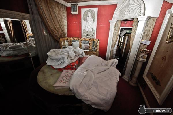 Sober B-side Tokyo Hotels Hotel Love