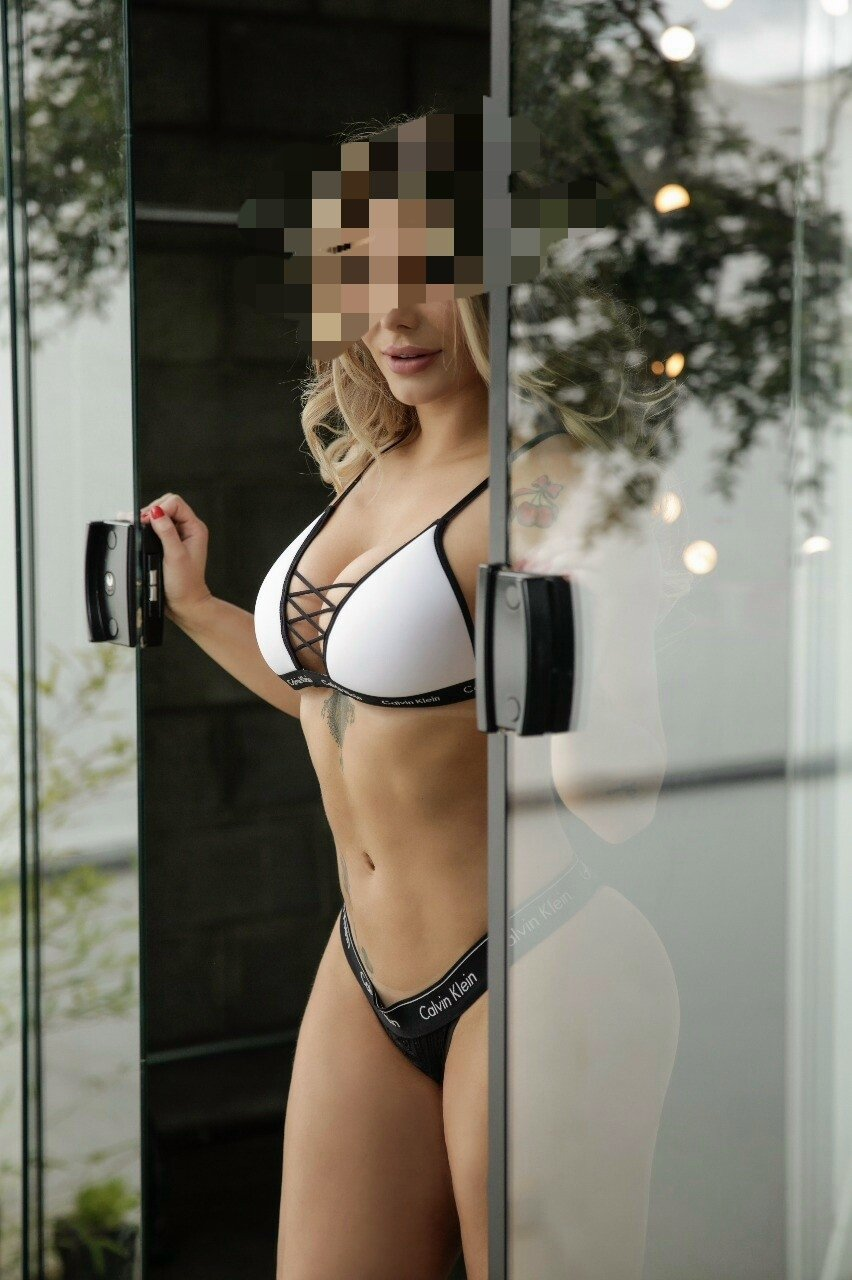Trusted Rose Alexa Gatineau Escort
