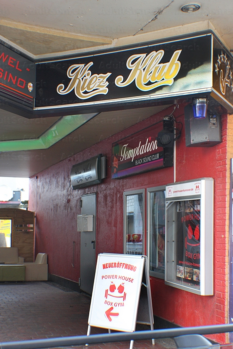 Pig Services Kuala Adult Club De Lumpur Vegas