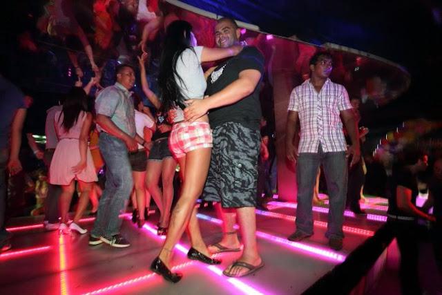 Centralhjrnet Club Bangkok Thailand In Night Girls In