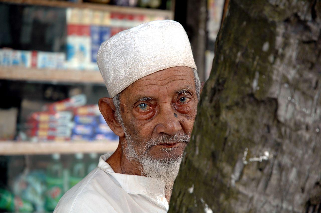Ultimately Lady Seeking Guy Bangladesh