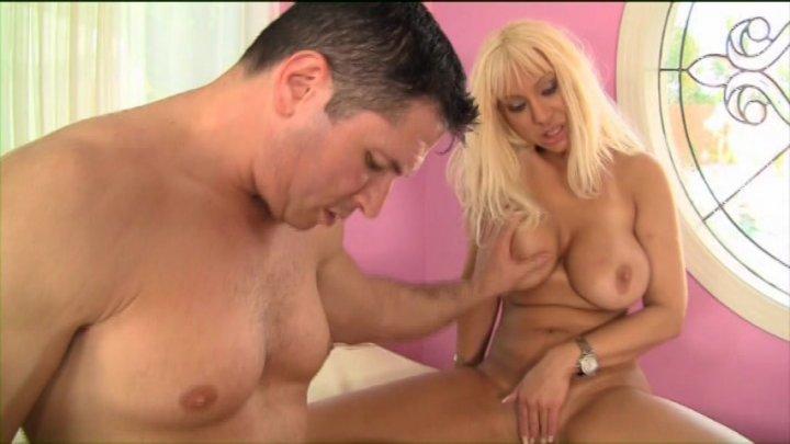 Ola Brunette Kinky Dating Singles