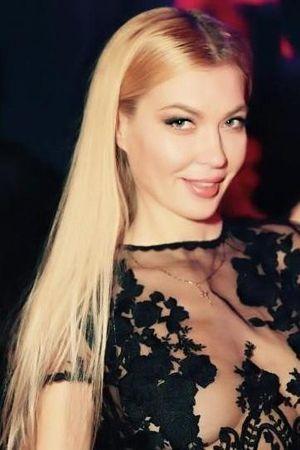 Saunaclub Man Seeking Single Sexy Woman