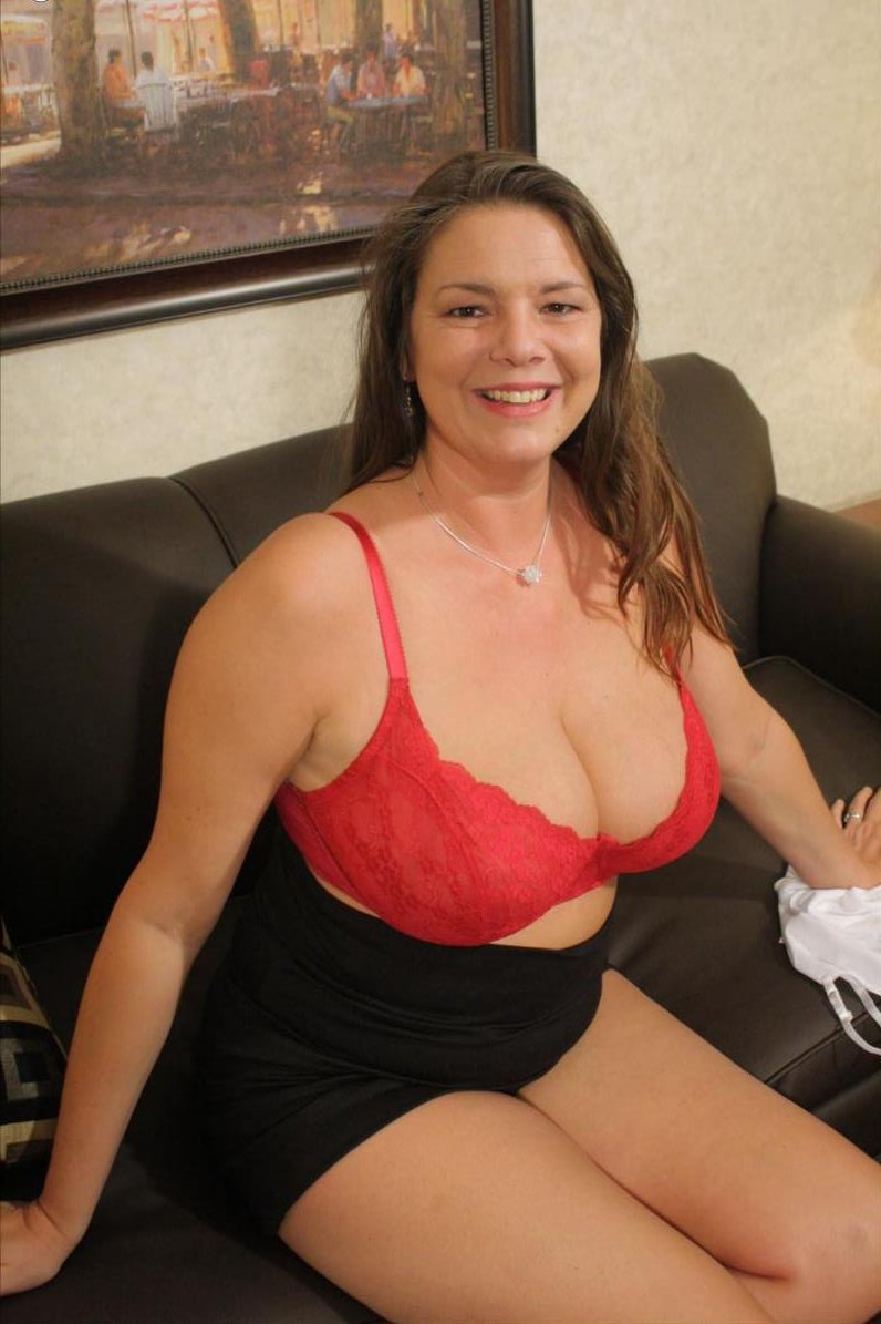 Escort Brampton Queen And Kennedy Toronto Mature