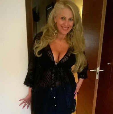 In Man Woman Toronto Seeking Kinky