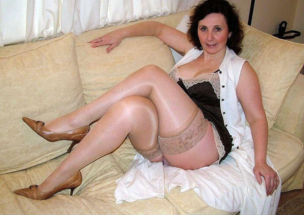 Lisbeth Man 65 Seeking To Blonde 60 Woman