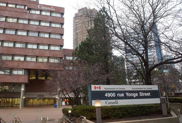 Pick-up College Night Escort Toronto For One Yyz Yonge Uber