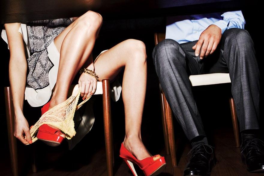 Paradiso Stand Promiscuity Seeking One-night Women Men Blond Spanish