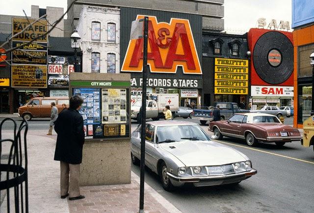 Street Yonge 40 Toronto Escort