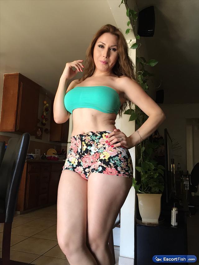 Jose Latina And Sexy San