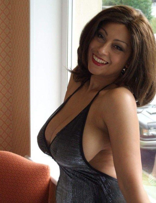 Spanish Brunette Dating Looking For Men