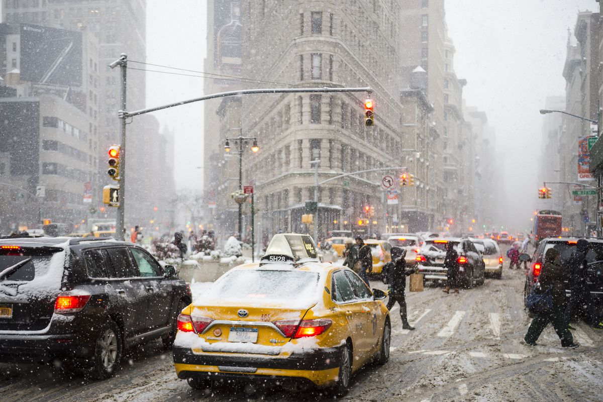 Its Snowing In Nyc How Icy