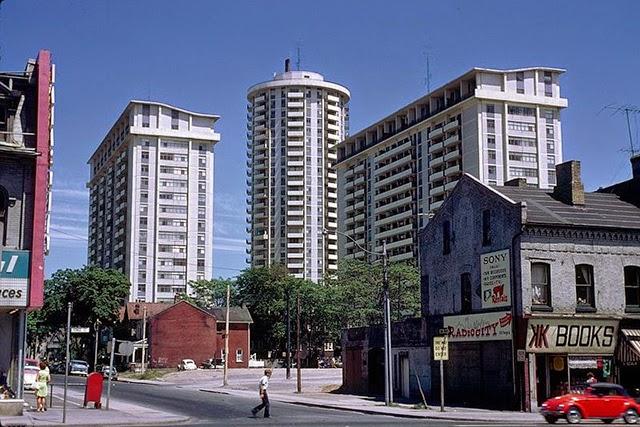Payment Street Yonge 40 Toronto Escort