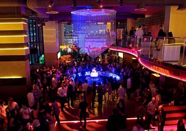 Show Strip Hollywood Girls Gold Club Bar Coast Lounge