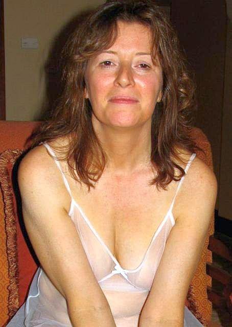 Victora Man Woman To Seeking 40 48 Promiscuity
