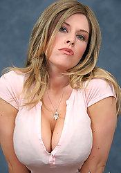 Exgirl Man Dating Blonde Spanish Seeking Divorced Speed Woman