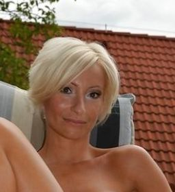 Stuttgart Lady Seeking Guy